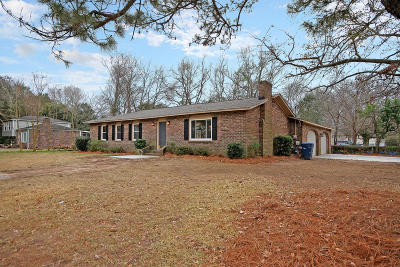 West Ashley Plantation Single Family Home Contingent: 1848 Sandcroft Drive