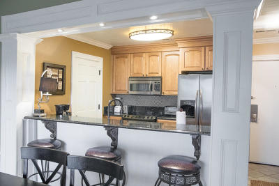Isle Of Palms Attached Contingent: 22 Lagoon Villas #22