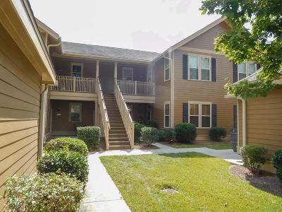 Attached For Sale: 5507 Colonial Chatsworth Circle