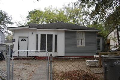 Single Family Home Contingent: 2746 E Surrey Drive
