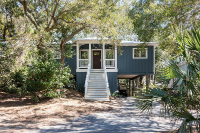 Single Family Home Contingent: 17 Sandcrab Court