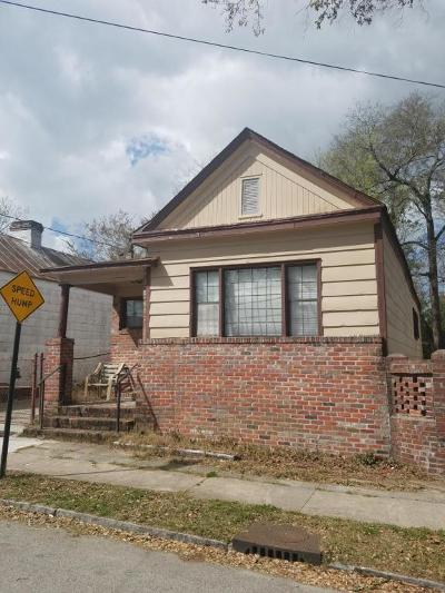 Single Family Home For Sale: 20 Moultrie Street