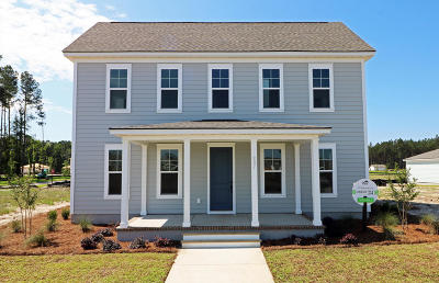 Summerville Single Family Home For Sale: 207 Bright Leaf Loop