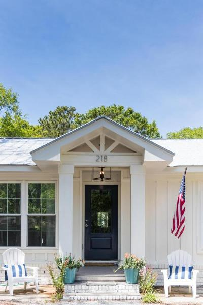 Single Family Home For Sale: 218 Forest Trail