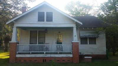 Woodland Shores Single Family Home Contingent: 370 Woodland Shores Road