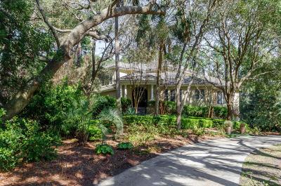 Charleston County Single Family Home For Sale: 14 Royal Beach Drive