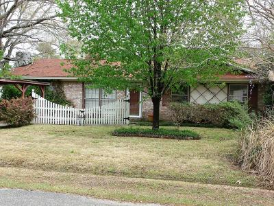 Goose Creek Single Family Home Contingent: 128 Blossom Street