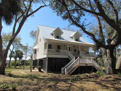 Edisto Island Single Family Home For Sale: 8550 Oyster Factory Road