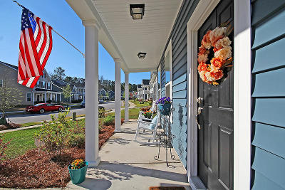 Charleston Single Family Home For Sale: 3232 Moonlight Drive