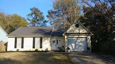 Summerville SC Single Family Home For Sale: $155,000