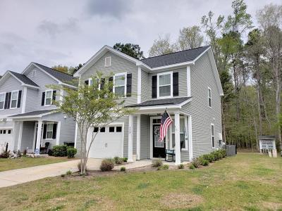 Grand Oaks Plantation Single Family Home Contingent: 173 Larissa Drive