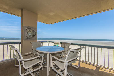 Isle Of Palms SC Attached For Sale: $1,000,000
