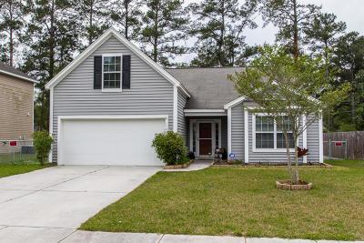 Goose Creek Single Family Home For Sale: 115 Farm Quarters Drive