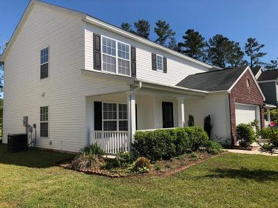 Goose Creek Single Family Home For Sale: 272 Clayburne Drive