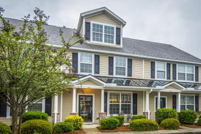 Attached Contingent: 305 Hemingway Circle