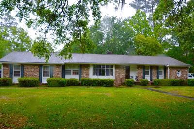 Goose Creek Single Family Home For Sale: 120 The Oaks Avenue