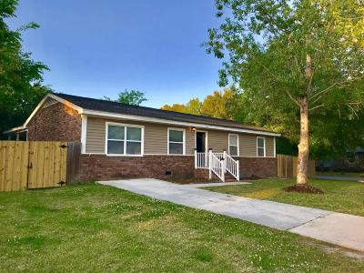 Goose Creek Single Family Home For Sale: 115 Red Cedar Drive