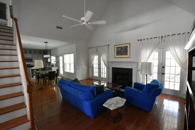 Single Family Home For Sale: 1213 Hidden Lakes Drive
