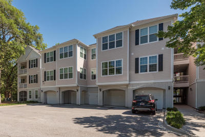 Johns Island Attached For Sale: 60 Fenwick Hall Allee Alley #821