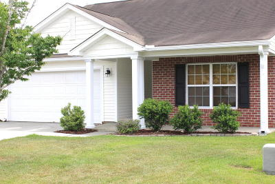 Goose Creek Single Family Home For Sale: 115 Mayfield Drive