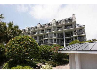 Isle Of Palms Attached For Sale: 109 Shipwatch B109