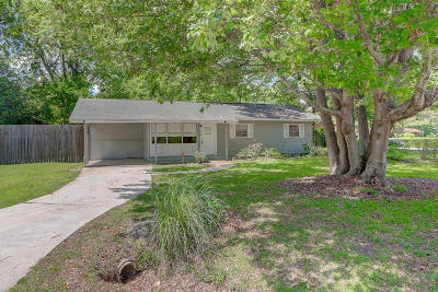 Charleston Single Family Home Contingent: 829 Locksley Drive