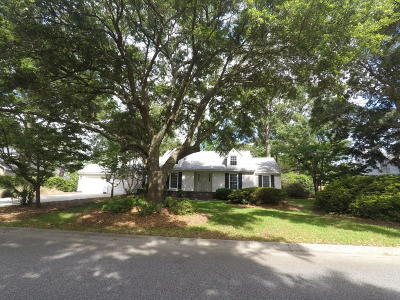 Stiles Point Plantation Single Family Home Contingent: 660 Old Plantation Rd