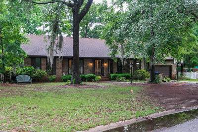 Charleston Single Family Home For Sale: 942 Anchor Road
