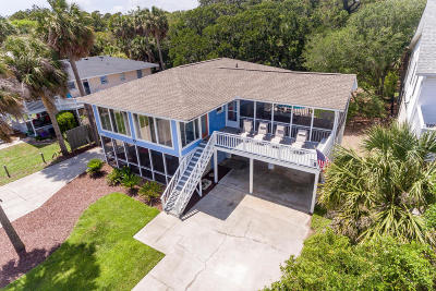 Folly Beach Single Family Home For Sale: 704 W Ashley Avenue