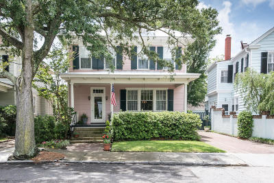 Charleston Single Family Home For Sale: 19 Lowndes Street