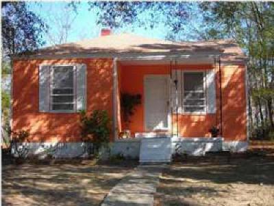 North Charleston Single Family Home For Sale: 2718 Saratoga Road