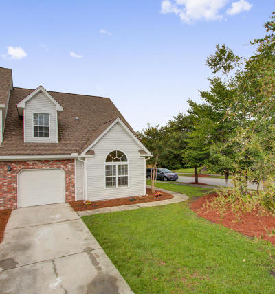 Grand Oaks Plantation Attached For Sale: 159 Dorothy Drive