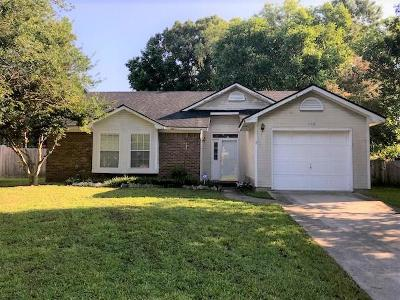 Goose Creek Single Family Home For Sale: 108 Persimmon Circle