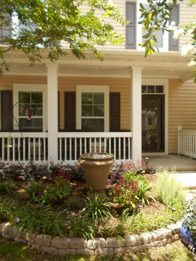 Charleston Attached Contingent: 3008 Lazarette Lane