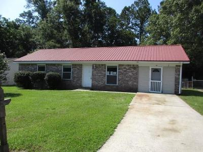 Summerville Single Family Home For Sale: 111 Harold Drive
