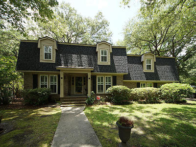 Charleston Single Family Home For Sale: 25 Hunters Forest Drive