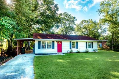 Goose Creek Single Family Home For Sale: 322 Anita Drive