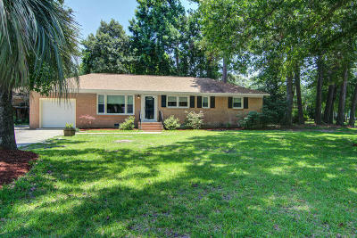 Charleston Single Family Home For Sale: 1827 S Mayflower Drive