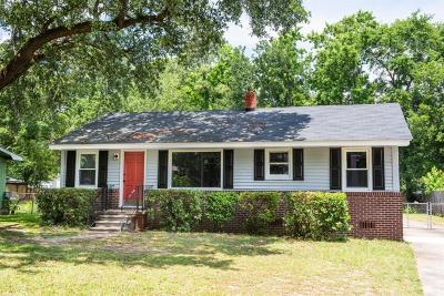 North Charleston Single Family Home For Sale: 4612 Fetteressa Avenue