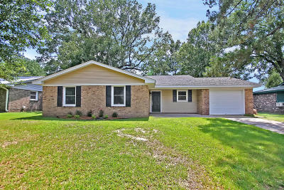 Goose Creek Single Family Home For Sale: 25 Kenilworth Road