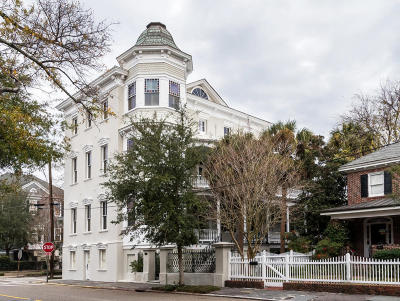 Charleston Single Family Home For Sale: 104 Rutledge Avenue