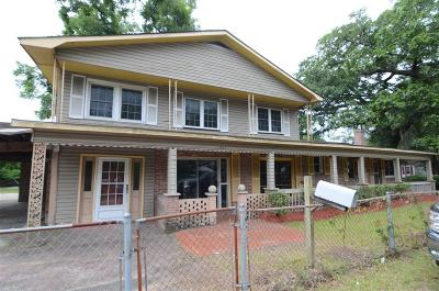 Single Family Home For Sale: 1935 Gumwood Boulevard