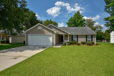 North Charleston Single Family Home For Sale: 8604 Hickory Creek Lane