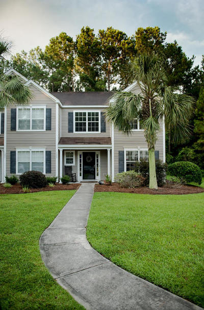 Single Family Home Contingent: 1255 Island Club Drive