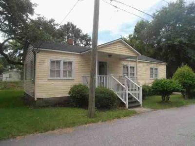 Charleston SC Single Family Home For Sale: $191,250