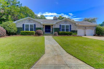 Charleston Single Family Home For Sale: 1260 Oakcrest Drive