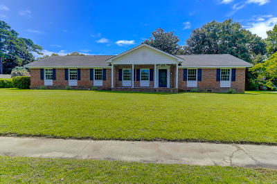 Charleston Single Family Home For Sale: 45 Saint Augustine Drive