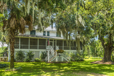 Wadmalaw Island Single Family Home For Sale: 2484 Sea Island Yacht Club Road