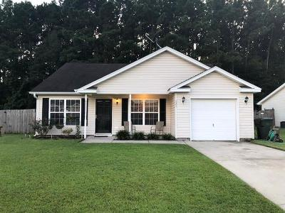 Goose Creek Single Family Home For Sale: 121 Pointer Drive
