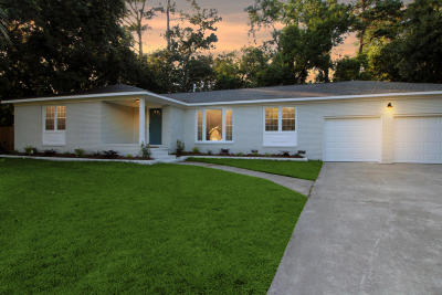 Charleston Single Family Home For Sale: 8 Sallys Alley